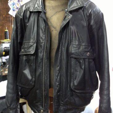 革ジャンのファスナーと裾部分のゴム交換