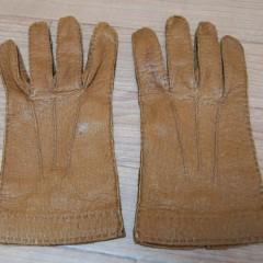 ペッカリーの手袋の指詰め