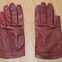 犬に噛まれた手袋の修理