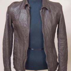 レザージャケットの着丈を5cm、袖丈3cm、肩幅1cm詰め