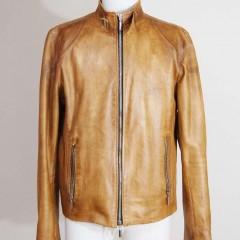 革ジャケット 破れ(右脇の後ろが縫い目)、ホツレ(ファスナーポッケ上部)