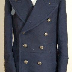 Pコートの襟ストラップ交換