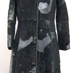 皮コートの襟をラウンドネックに