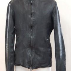 BACKLASH(バックラッシュ) シングルライダースジャケットの袖丈詰め