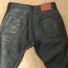 レザーパンツ バックポケット縫製ほつれ