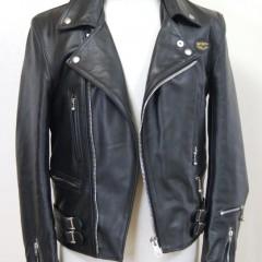ルイスレザー ダブルライダースジャケットの袖の付け根から2,5cmの丈詰め