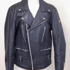 ダブルライダースジャケットの袖幅、肩幅詰め