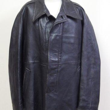 革製カーコートの身幅と袖幅