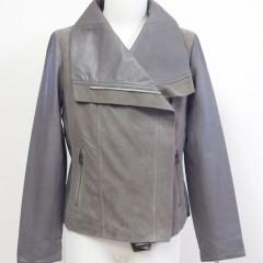 レザージャケットの身幅・袖幅詰め