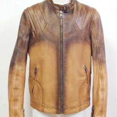 レザーライダースジャケット(メーカー;グッチ、茶色)の修理(左脇の破れ)と袖丈詰め(5センチ)
