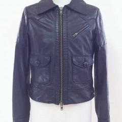 ジャケットの衿をはずしてノーカラーのジャケットに