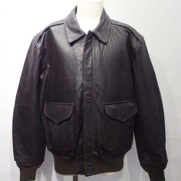 CokpitUSA製のA-2ジャケット 肩幅詰め