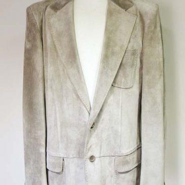 Gucci(グッチ)、Armani(アルマーニ)のテーラードジャケットのサイズダウン