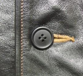 ボタン(糸で留めてあるタイプ)の交換 作業後