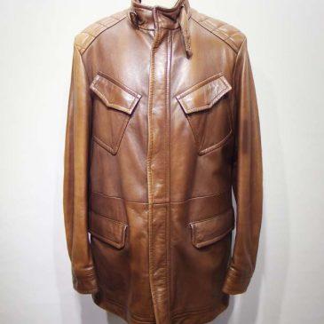 外国製の革ジャン(バイク用)の腕のユキが長く詰め、外国製の革製のコートの色(茶)が部分的に変色しており直し