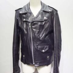 年代モノのライダースジャケット(schott)、袖周りをすっきり