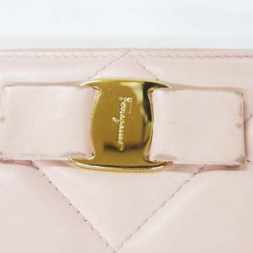 フェラガモの革財布 クリーニングと革部分のハゲの修理