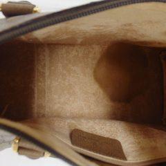 年代物のグッチのバッグ 裏地がボロボロ