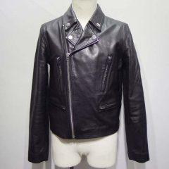 ライダースジャケットの袖丈を4cm短く